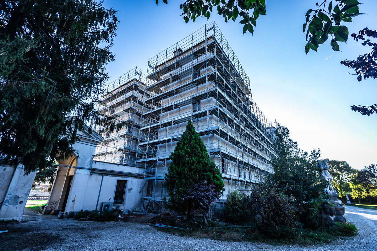Gallery foto n.5 RP 105 - restoration of the facades of the villa
