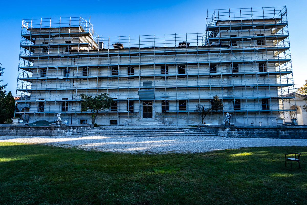 Gallery foto n.7 RP 105 - restoration of the facades of the villa