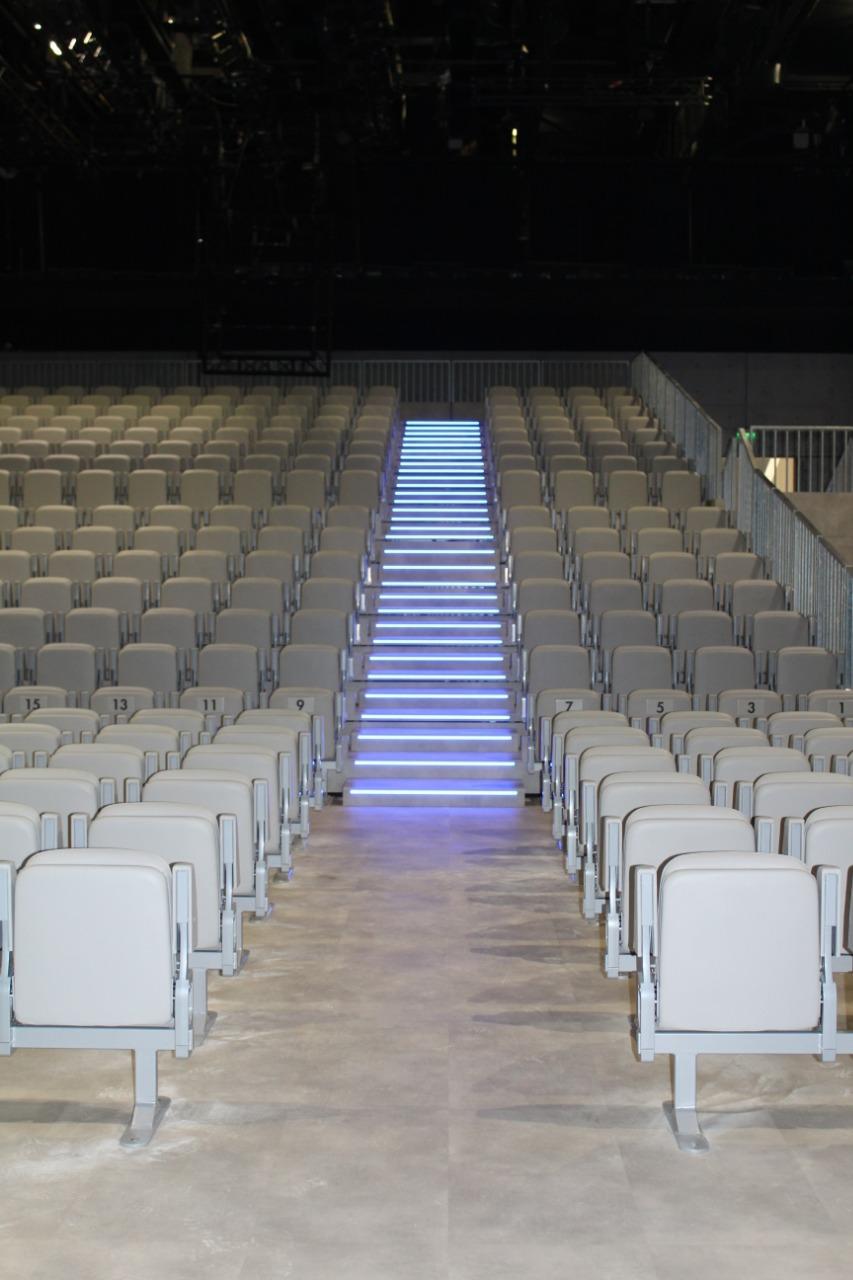 Gallery foto n.4 Tribune telescopiche - Teatro Armani