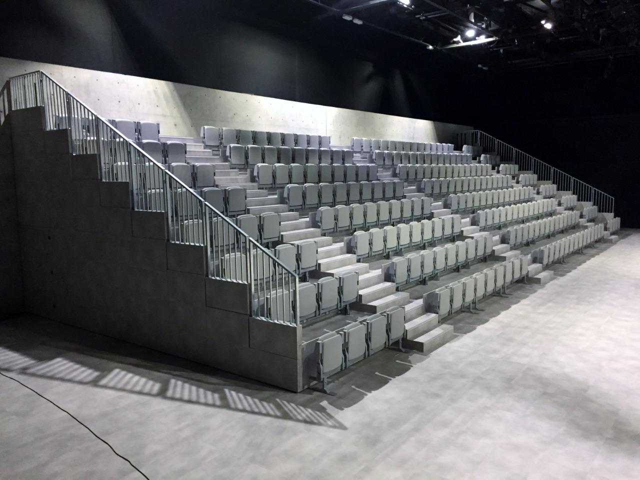 Gallery foto n.9 Tribune telescopiche - Teatro Armani