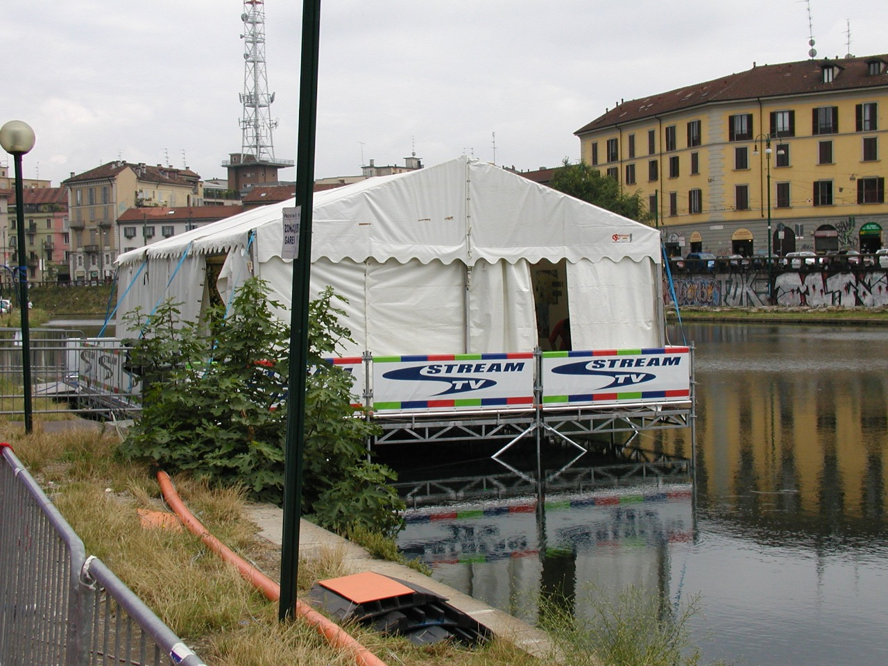 Gallery foto n.2 Stage - Concert on the Naviglio