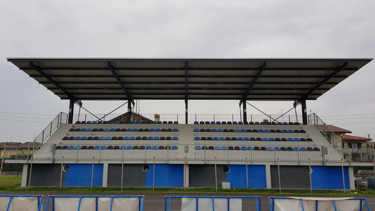 Gallery foto n.1 Консольный навес - Муниципальный спортивный центр