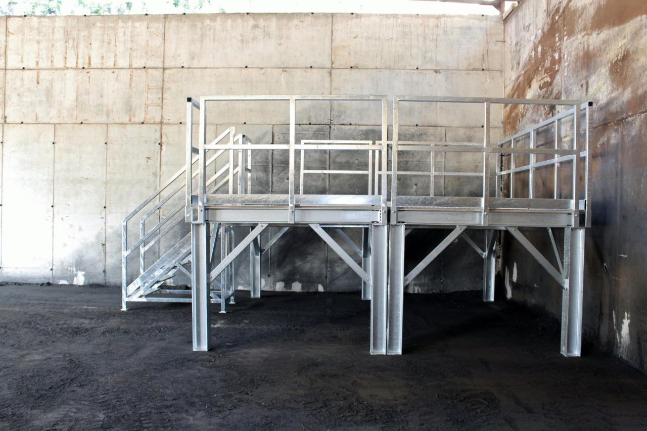 Gallery foto n.1 Pedana per accesso al forno - stabilimento