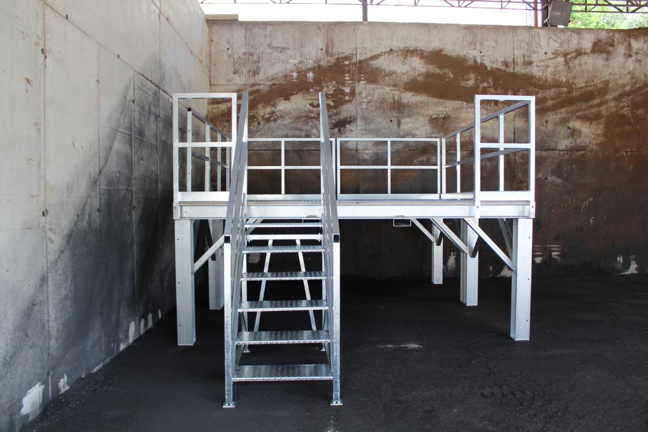 Gallery foto n.2 Plateforme pour accès au four - Établissement
