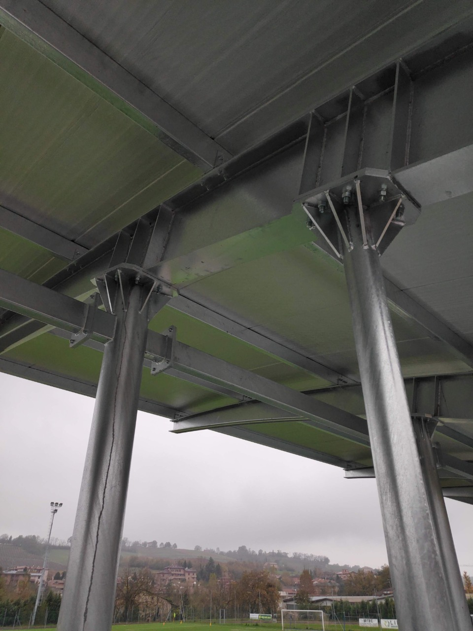 Gallery foto n.3 Overhanging cover - Football field