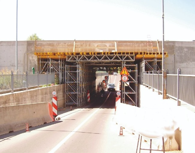 Shoring - Construction of an underpass