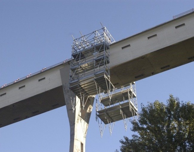 TMC beams - Maintenance of an Italcementi bridge